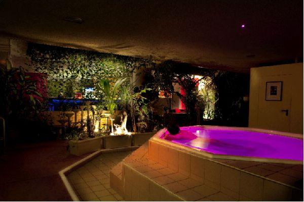 nouveau site de rencontre gay clubs à Villenave-dOrnon